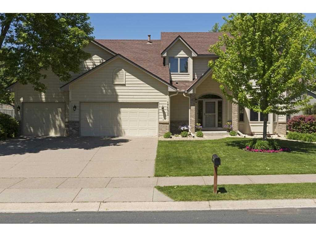 Maple grove hennepin county mls 4837257 17532 82nd for Front door hennepin county