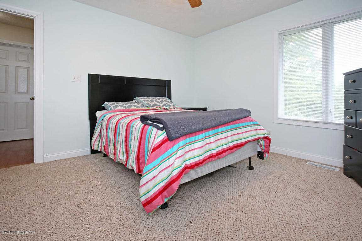 shady spring big and beautiful singles A must see spacious dr horton home in beautiful blossom ridge estates 4 bedroom,  ceiling fan and big bright windows drapes  $228702 3101 shady spring drive sw .