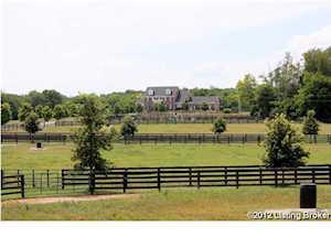 361 Heritage Ln Shelbyville, KY 40065