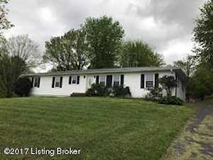 235 Defries Rd Canmer, KY 42722
