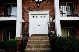 602 Donard Park Ave Louisville, KY 40218