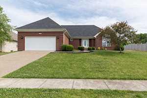 36 Oakleaf Ct Taylorsville, KY 40071