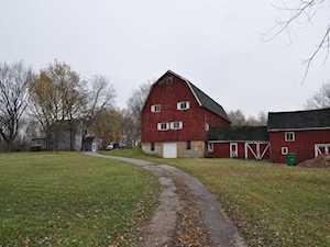 155 Glen Rd Hawthorn Woods, IL 60047