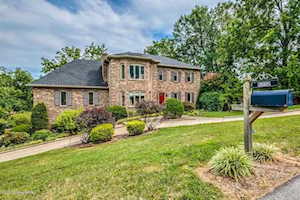 5212 Moccasin Trail Louisville, KY 40207