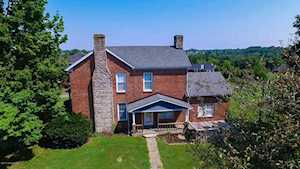 130 W Millwater Falls Shepherdsville, KY 40165