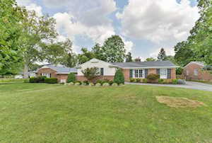 211 Holliswood Rd Louisville, KY 40222