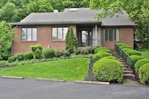 5537 Forest Lake Dr Prospect, KY 40059