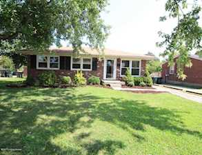 3611 St Edwards Dr Jeffersontown, KY 40299