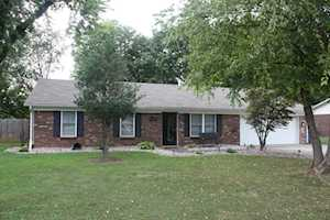 6521 Dunnlea Dr Pewee Valley, KY 40056