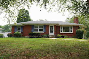 9713 Holiday Dr Louisville, KY 40272