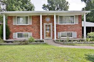 5913 Prestwood Ct Louisville, KY 40219