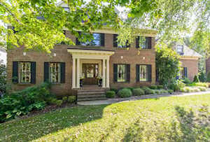 2817 Avenue Of The Woods Louisville, KY 40241