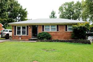 6312 Red Spruce Dr Louisville, KY 40229