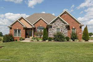 108 Cynthias Ridge Fisherville, KY 40023