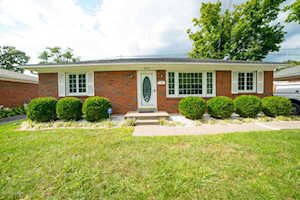4219 Blossomwood Dr Louisville, KY 40220