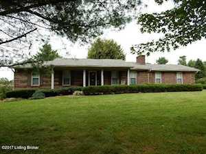 857 Cliffside Dr Shepherdsville, KY 40165