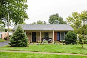 2705 Llandovery Dr Jeffersontown, KY 40299