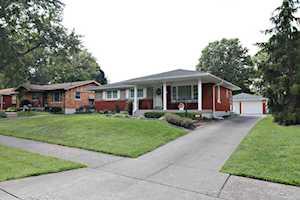 4410 Estate Dr Louisville, KY 40216