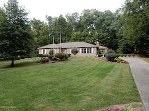 909 Plenmar Dr Shepherdsville, KY 40165