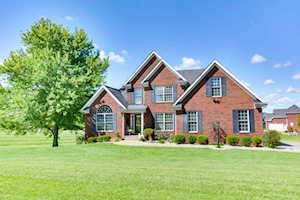 2 Oak Tree Ln Louisville, KY 40245