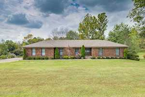 3615 Echo Valley Cir La Grange, KY 40031