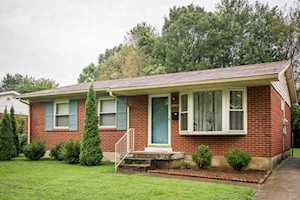 8902 Bluebell Dr Louisville, KY 40219