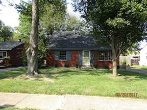 3402 Emerald Dr Jeffersontown, KY 40299