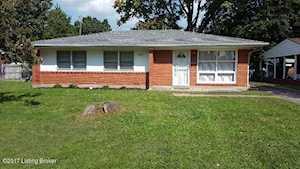 3313 Terrier Ln Louisville, KY 40218