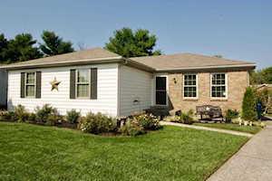 1300 Oak Ridge Ct Simpsonville, KY 40067