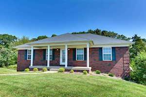 150 Charleston Ct Taylorsville, KY 40071