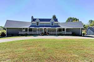 4004 Carriage Hill Dr Crestwood, KY 40014
