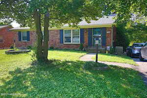 3708 Whitehall Ct Louisville, KY 40272