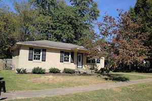 5609 Clearridge Pl Louisville, KY 40229