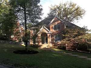 2438 Ashwood Dr Louisville, KY 40205