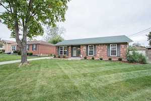 6108 Lynnchester Dr Louisville, KY 40219