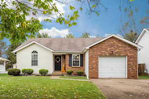 4414 Bays End Ct Louisville, KY 40245