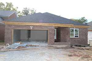 7620 Pauls View Pl Louisville, KY 40228