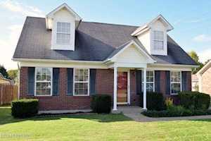 10504 Pebblestone Cir Louisville, KY 40229