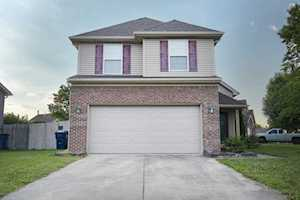 6823 Woodhaven Place Dr Louisville, KY 40228
