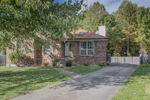 5801 Ashbrooke Gardens Ct Louisville, KY 40229