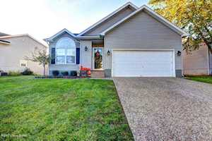 11604 Walnut View Way Jeffersontown, KY 40299