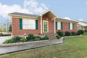 538 River Oaks Dr Shepherdsville, KY 40165