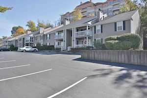 410 Mockingbird Valley Rd Louisville, KY 40207