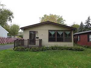 122 Idlewild Avenue Mundelein, IL 60060