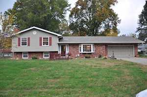 3809 Gaywood Dr Louisville, KY 40272