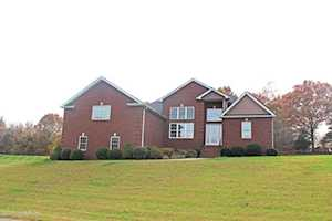 224 Villa Ray Dr Radcliff, KY 40160