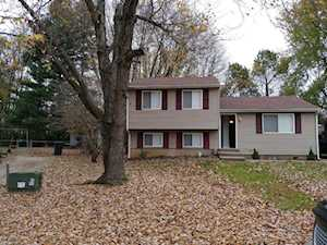 4805 Hat Ct Louisville, KY 40291