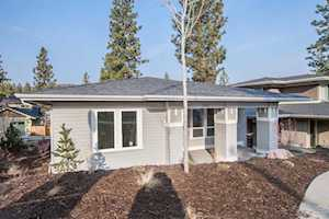1838 NW Hartford Avenue Bend, OR 97703
