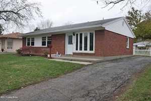 3525 Terrier Ln Louisville, KY 40218