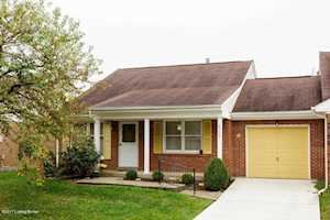 8706 Deer Point Ct Louisville, KY 40242